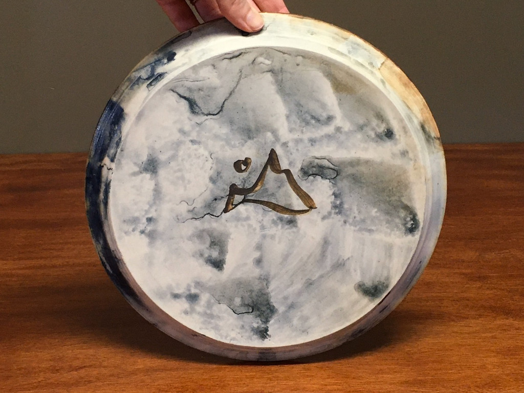 Lunar/Cosmic Dinner plate, roughly 10.5 inches wide (SK3774)