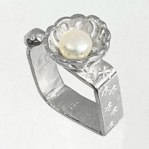 Pearl Queen