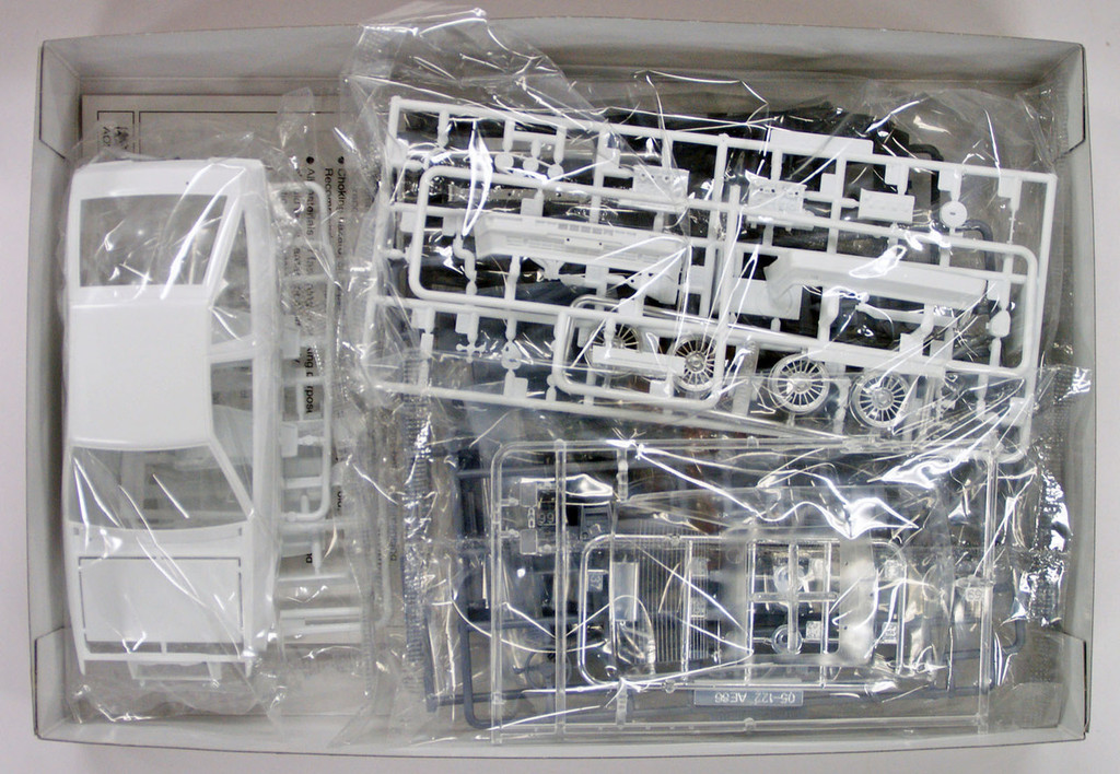 Aoshima 52259 The Model Car 17 Toyota AE86 Crolla Levin GT-Apex '85 1/24 Scale Kit