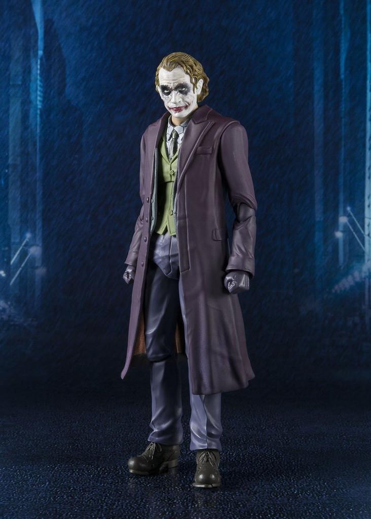 Bandai 149507 S.H. Figuarts The Dark Knight Joker Action Figure
