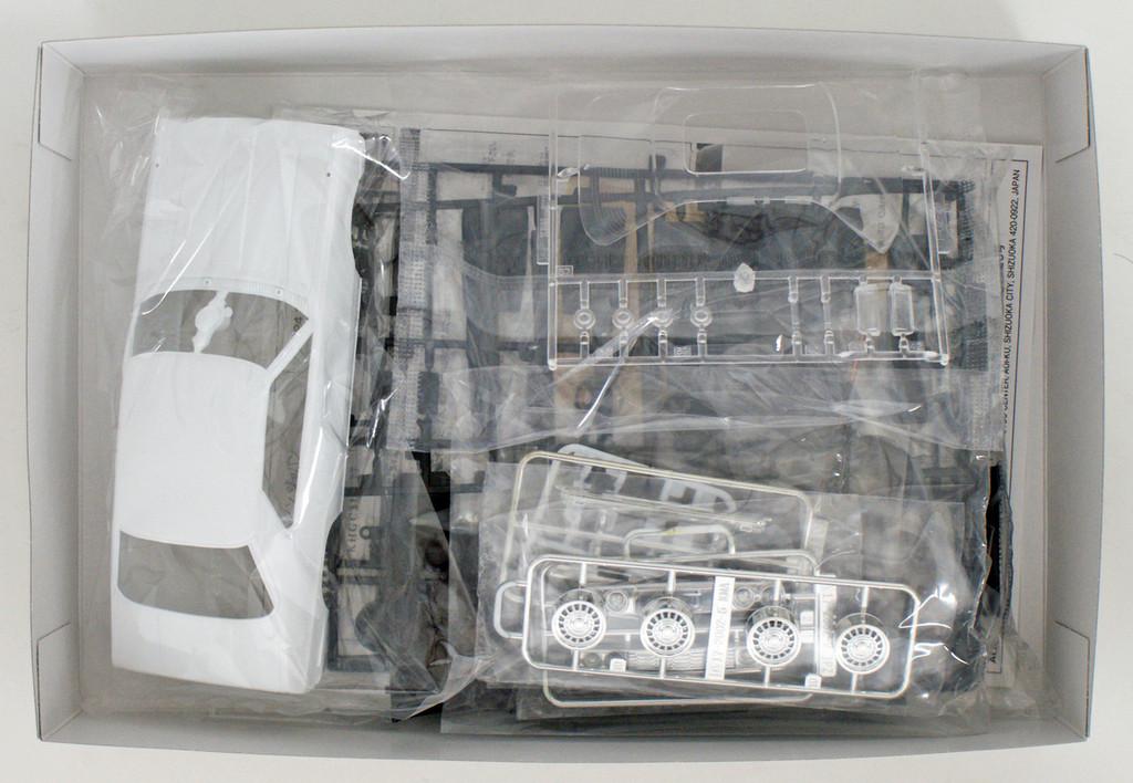 Aoshima 53522 The Model Car 52 NISSAN KHGC210 Skyline HT2000GT-ES '77 1/24 Scale Kit
