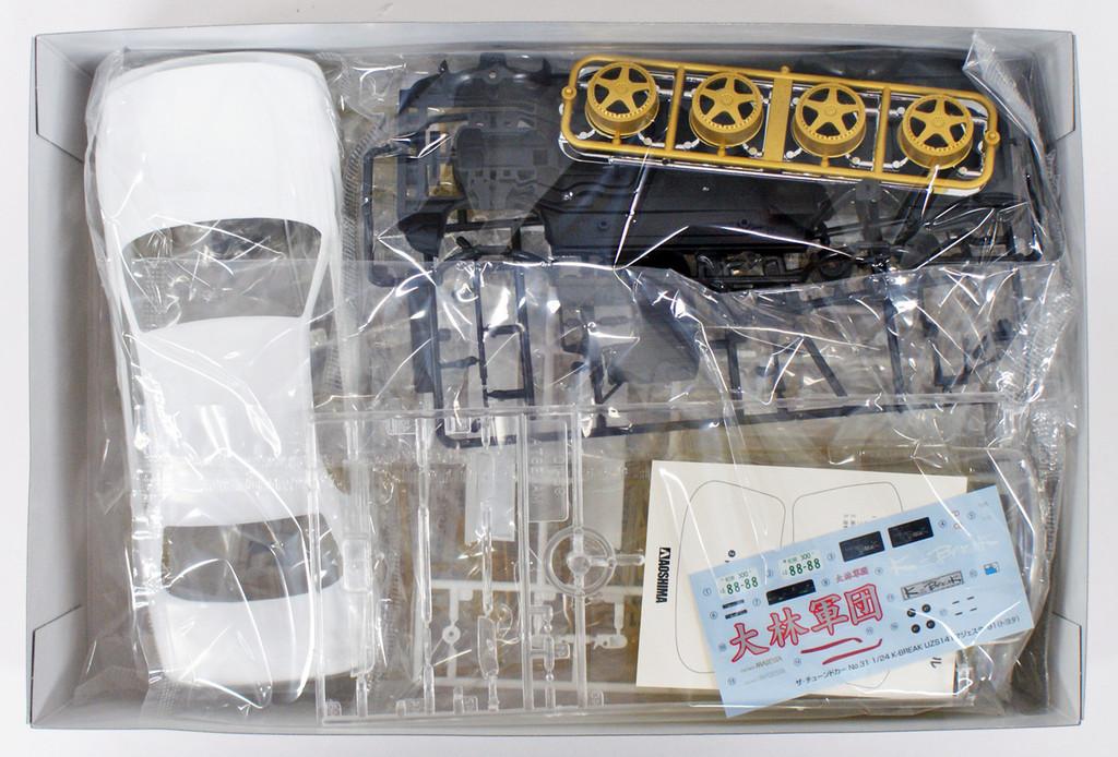 Aoshima 53621 K-BREAK UZS141 MAJESTA '91(TOYOTA) 1/24 scale kit