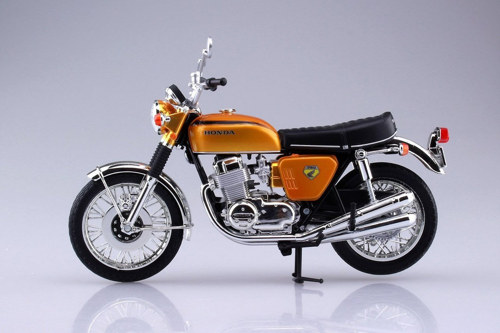 Aoshima Skynet 04309 Honda CB750FOUR (K0) Candy Gold 1/12 Scale Finished Model