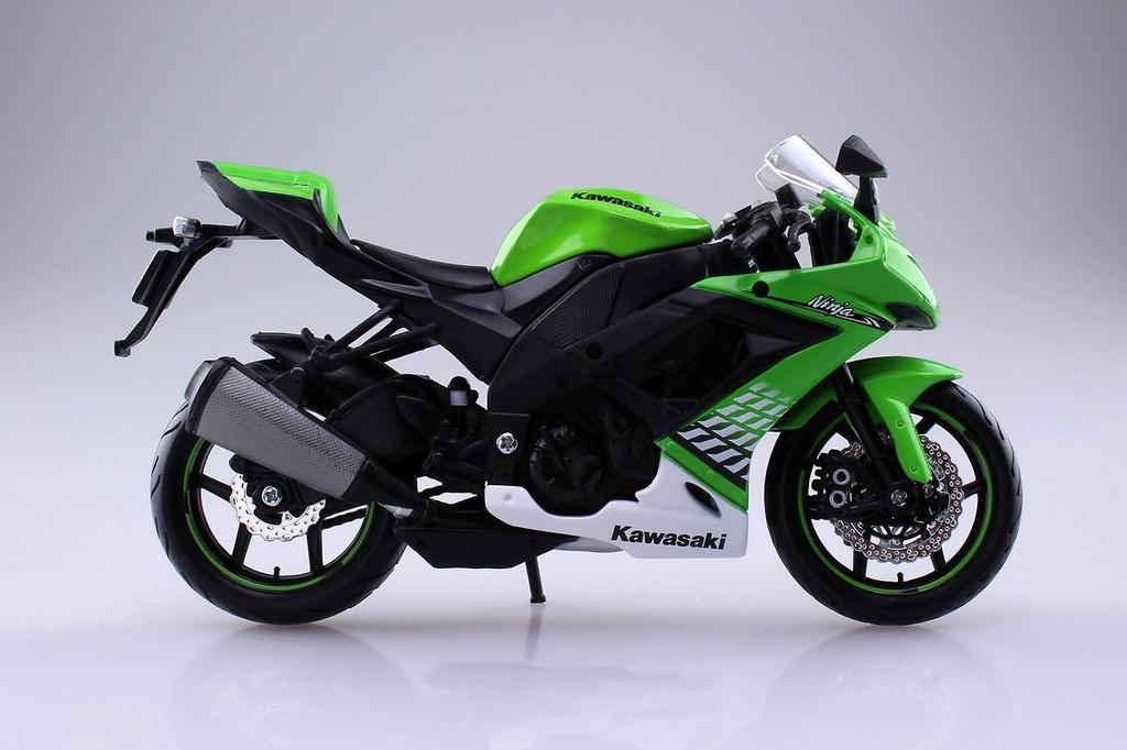 Aoshima Skynet 04521 Kawasaki Ninja ZX-10R 1/12 Scale Finished Model