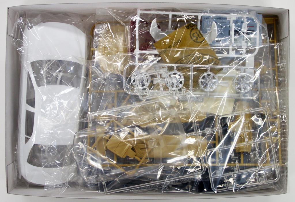 Aoshima 47736 Toyota Majesta UZS186 VLENE 1/24 Scale Kit