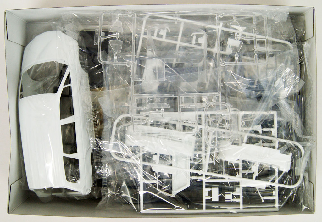 Aoshima 55755 Garson Geraid RA6 Odyssey 2001 (HONDA) 1/24 scale kit
