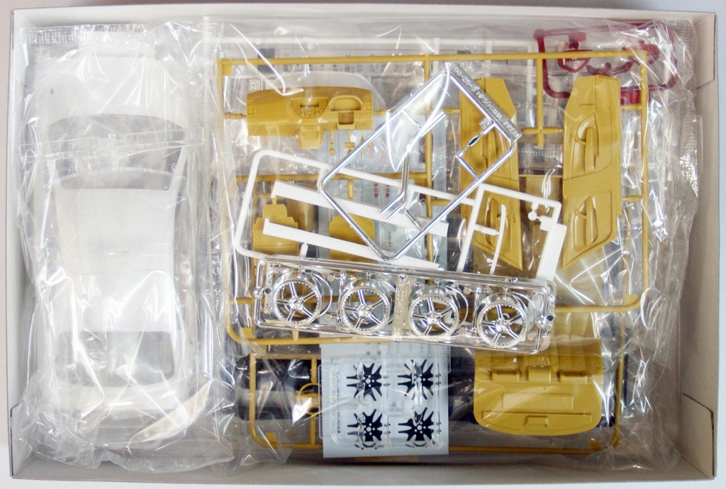Aoshima 43523 Nissan Cima (F50) Mode Parfume 1/24 Scale Kit