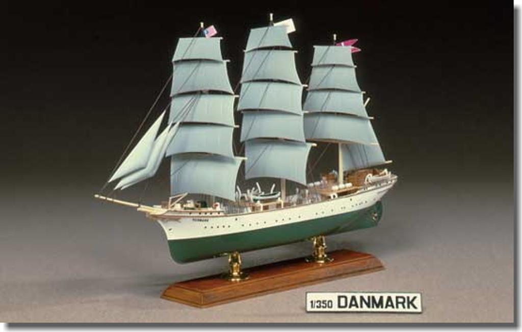 Aoshima 42601 3-MAST FULL-RIGGED Ship DANMARK 1/350 Scale Kit