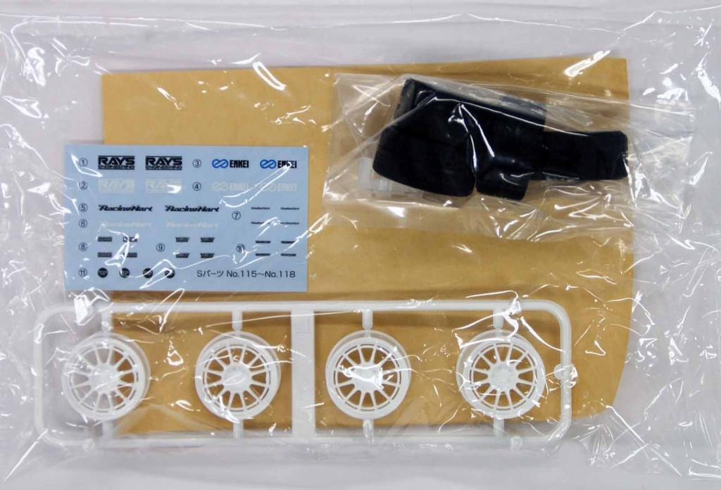 Aoshima 05552 Tire & Wheel Set ENKEI NT03+M 19 inch 1/24 Scale Kit