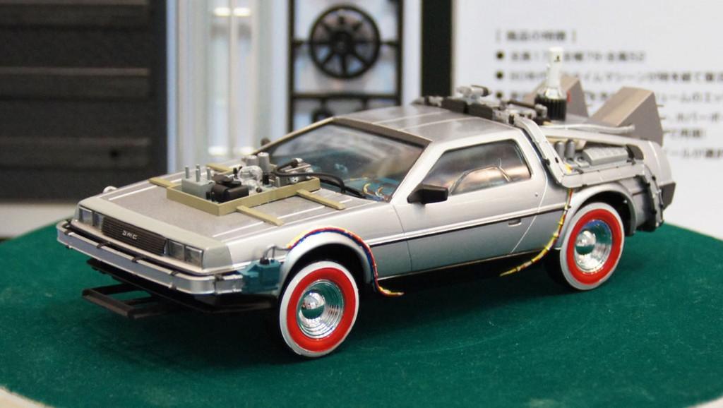 Aoshima 06207 Back to the Future Part 3 Delorean (Super Detail) 1/24 Scale Kit