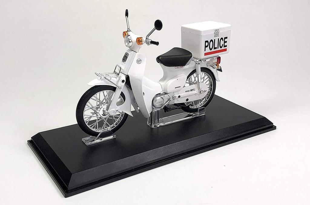 Aoshima 05689 Honda Super Cub Police Version 1/12 Scale Finished Model