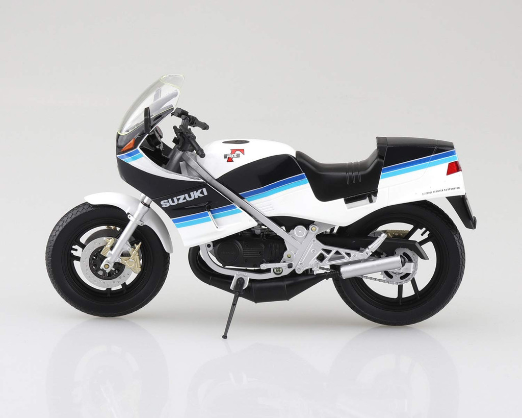 Aoshima Skynet 06761 Suzuki RG250 Gamma Blue x White 1/12 Scale Finished Model