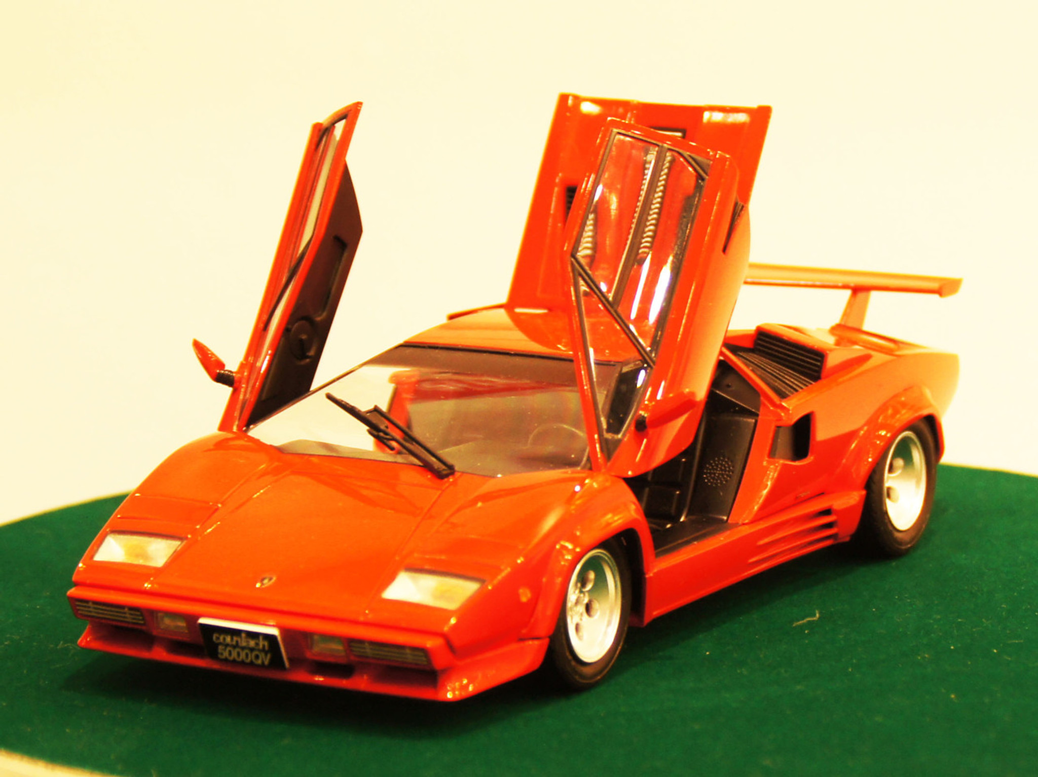 Aoshima 11546 Lamborghini Countach 5000 Quattrovalvole Injection
