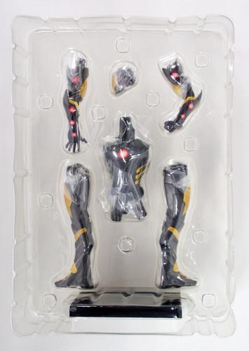 Kotobukiya MK158 ARTFX Iron Man (Black x Gold) PVC Figure 1/10 Scale