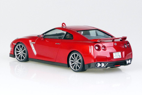 Aoshima 52167 Nissan R35 GT-R (Abunai Deka) DVD & Blu-ray Launch Package 1/24 Scale Kit