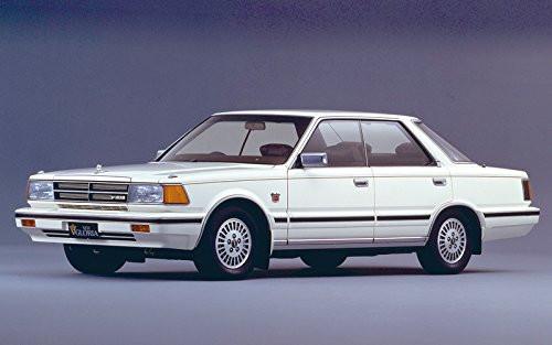 Aoshima 54789 The Model Car 58 Nissan Y30 Cedric/ Gloria 4HT V30E Brougham VIP '83 1/24 scale kit