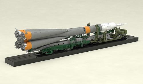 Good Smile Soyuz Rocket & Transport Train  1/150 Scale Plastic Model Kit