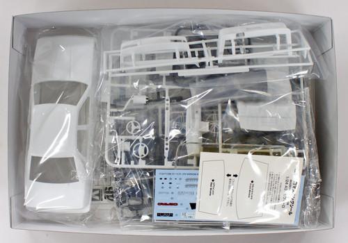 Aoshima 55137 Wonder A31 Cefiro (Nissan) 1/24 scale kit