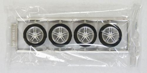 Fujimi TW09 AVS Model 5 Wheel & Tire Set 18 inch 1/24 Kit