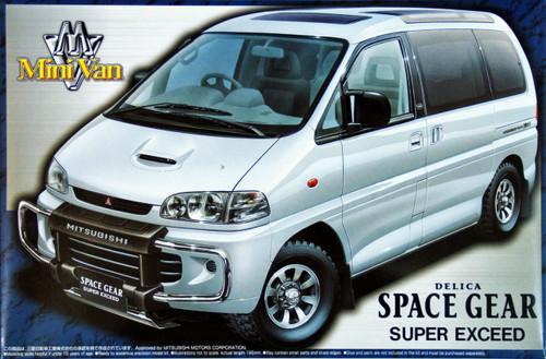 Aoshima 43967 Mitsubishi Delica Space Gear Super Exceed 1/24 Scale Kit
