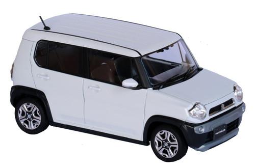 Fujimi 066059 Suzuki Hustler (Pure White Pearl) 1/24 scale pre-painted kit
