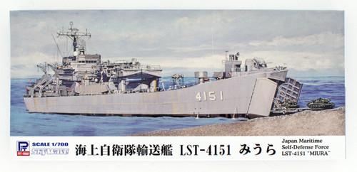 Pit-Road Skywave J-83 JMSDF Tank Landing Ship LST-4151 Miura 1/700 scale kit