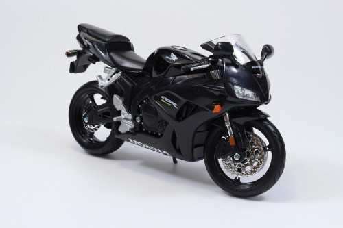 Aoshima Skynet 05627 Honda CBR1000RR 1/12 Scale Finished Model