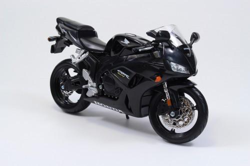 Aoshima Skynet 05627 Honda CBR1000RR 1/12 Scale Finished Model