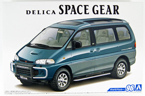 Aoshima 56677 The Model Car 96 Mitsubishi PE8W Delica Space Gear '96 1/24 Scale kit