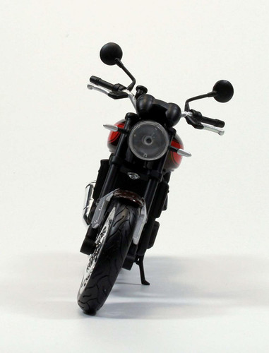 Aoshima Skynet 05016 Kawasaki Z900RS Candy Tone Brown x Candy Tone Orange 1/12 Scale Finished Model