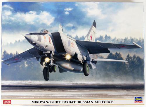 Hasegawa 02304 Russian Air Force MiG-25RBT Foxbat 1/72 Scale kit