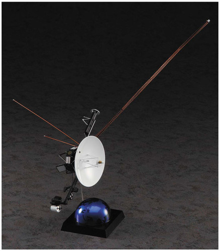 Hasegawa SP406 Unmanned Space Probe Voyager w/ Golden Record Plate 1/48 Scale kit