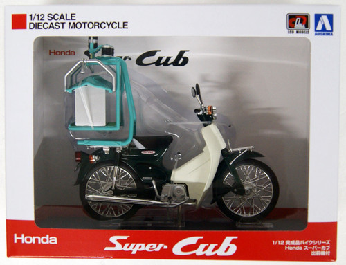 Aoshima 05672 Honda Super Cub 50 w/ Demae-ki (Rear Carrier) 1/12 Scale Finished Model
