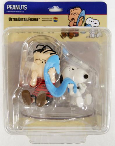 Medicom UDF-458 Ultra Detail Figure Peanuts Series 9 Linus & Snoopy