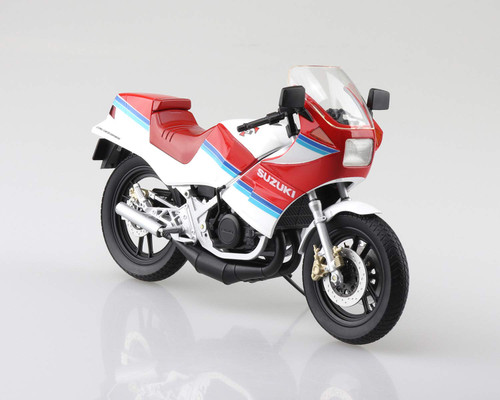 Aoshima Skynet 06778 Suzuki RG250 Gamma Red x White 1/12 Scale Finished Model