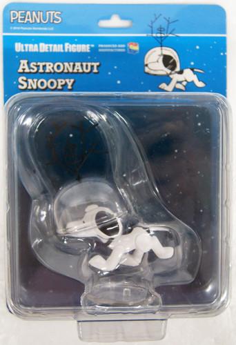 Medicom UDF-493 Ultra Detail Figure Peanuts Series 10 Astronaut Snoopy