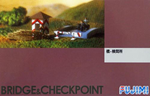 Fujimi WA34 World Armor Bridge & Checkpoint with 6 soldiers 1/76 Scale Kit