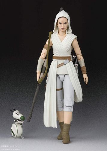 Bandai S.H. Figuarts Rey & D-O Figure (Star Wars: The Rise of Skywalker)