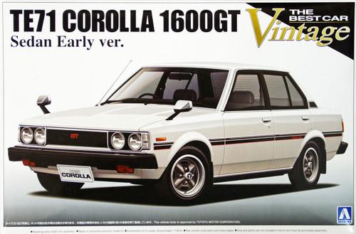 Aoshima 08744 TE71 Toyota Corolla 1600GT Sedan Early Version 1/24 Scale Kit