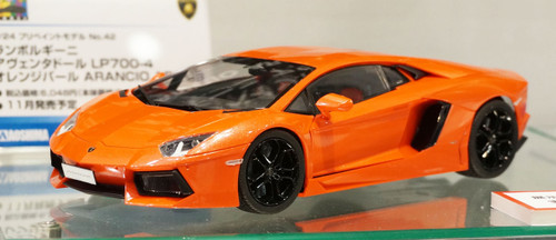 Aoshima 11386 Lamborghini Aventador LP700-4 (Orange Pearl) Pre-Painted 1/24 Scale Kit