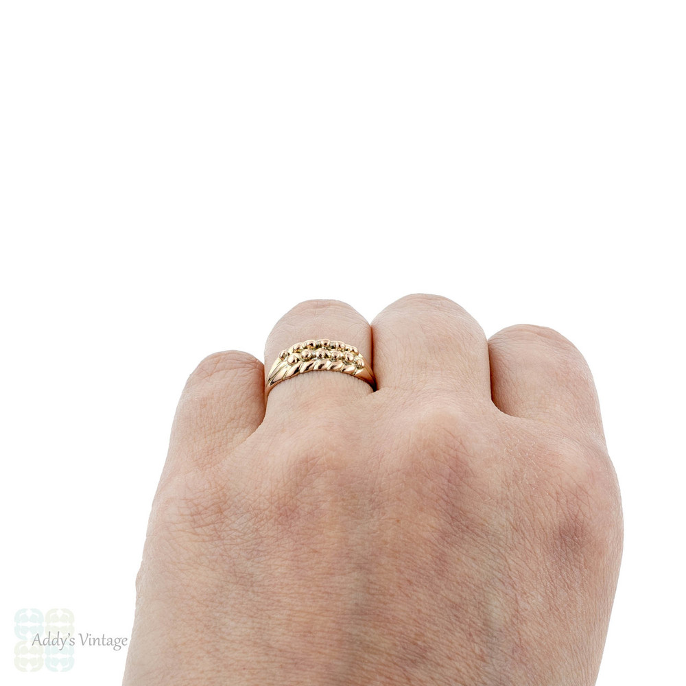 Edwardian 9k Keeper Ring, Antique Plaited 9ct Yellow Gold Band, 1900s.