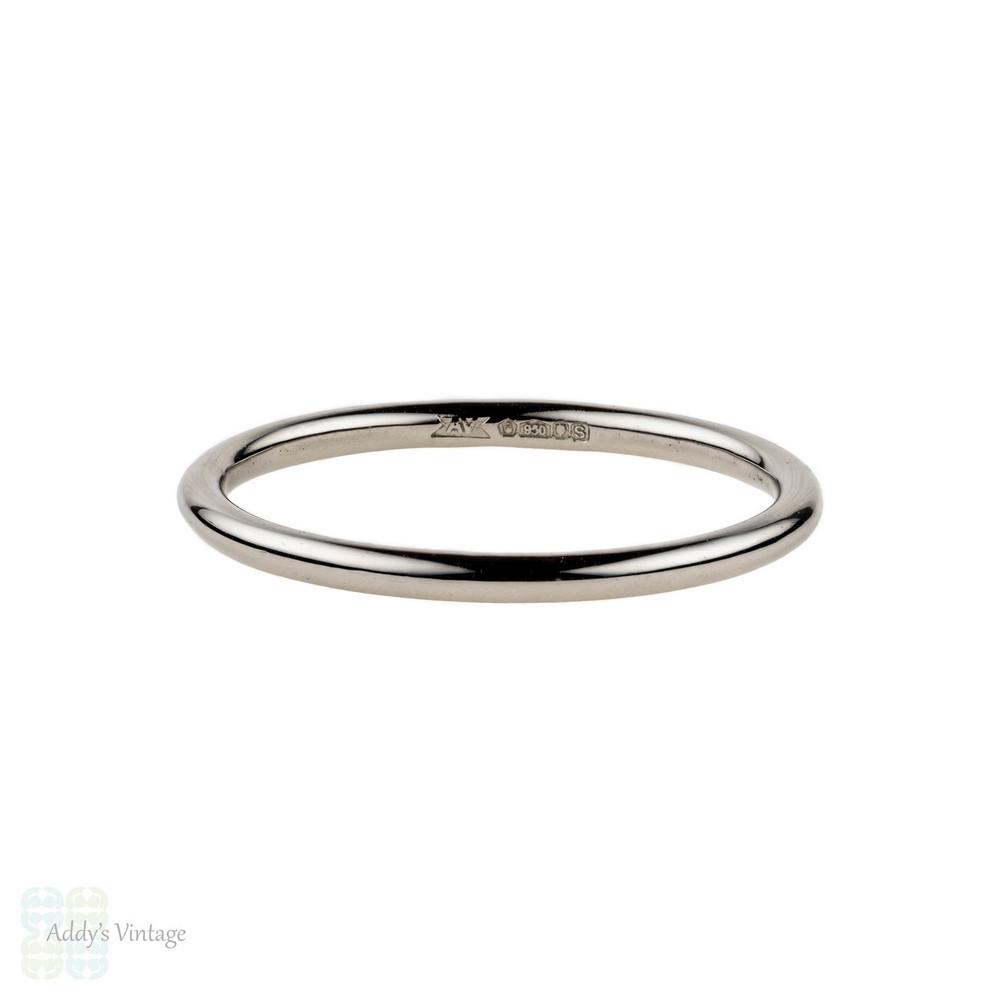 Platinum Wedding Band, Simple 1.5 mm Handmade Band. Sizes G to P, Fully Hallmarked.