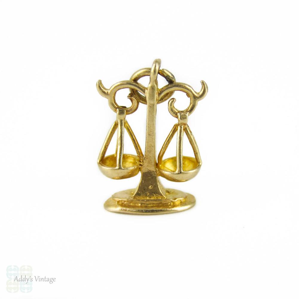 9ct Gold Libra Scales Zodiac sign Pendant