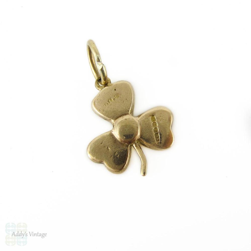 Mid Century Clover Charm, 9ct Gold Irish Connemara Marble Small Pendant. Irish Hallmarks, Circa 1960s.