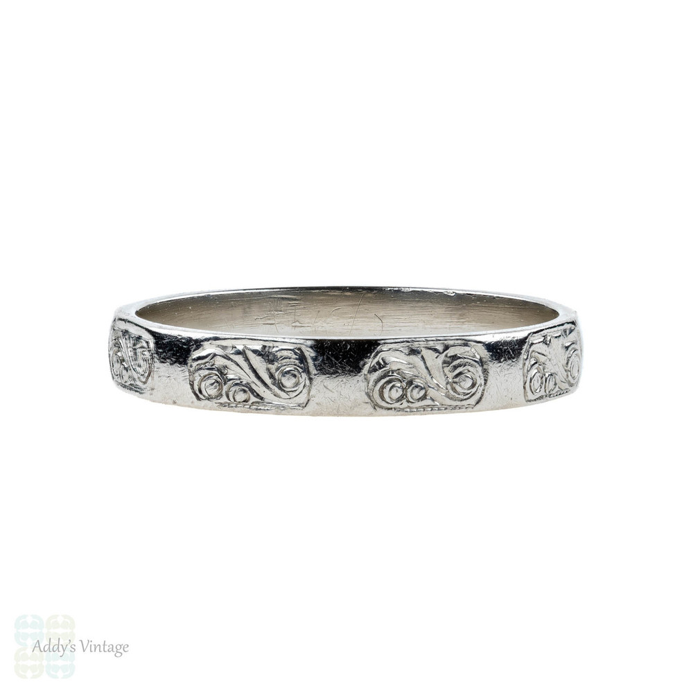 Vintage Hand Engraved Wedding Ring, 1940s Platinum Faceted Band. Size J / 5.
