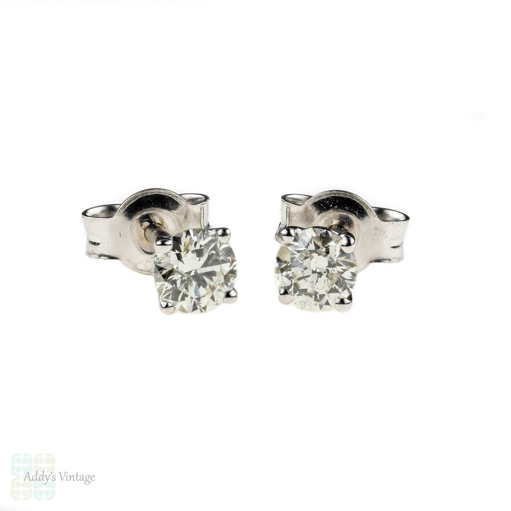 Classic Diamond Stud Earrings, 18k 18ct White Gold 0.40 ctw Diamond Studs.