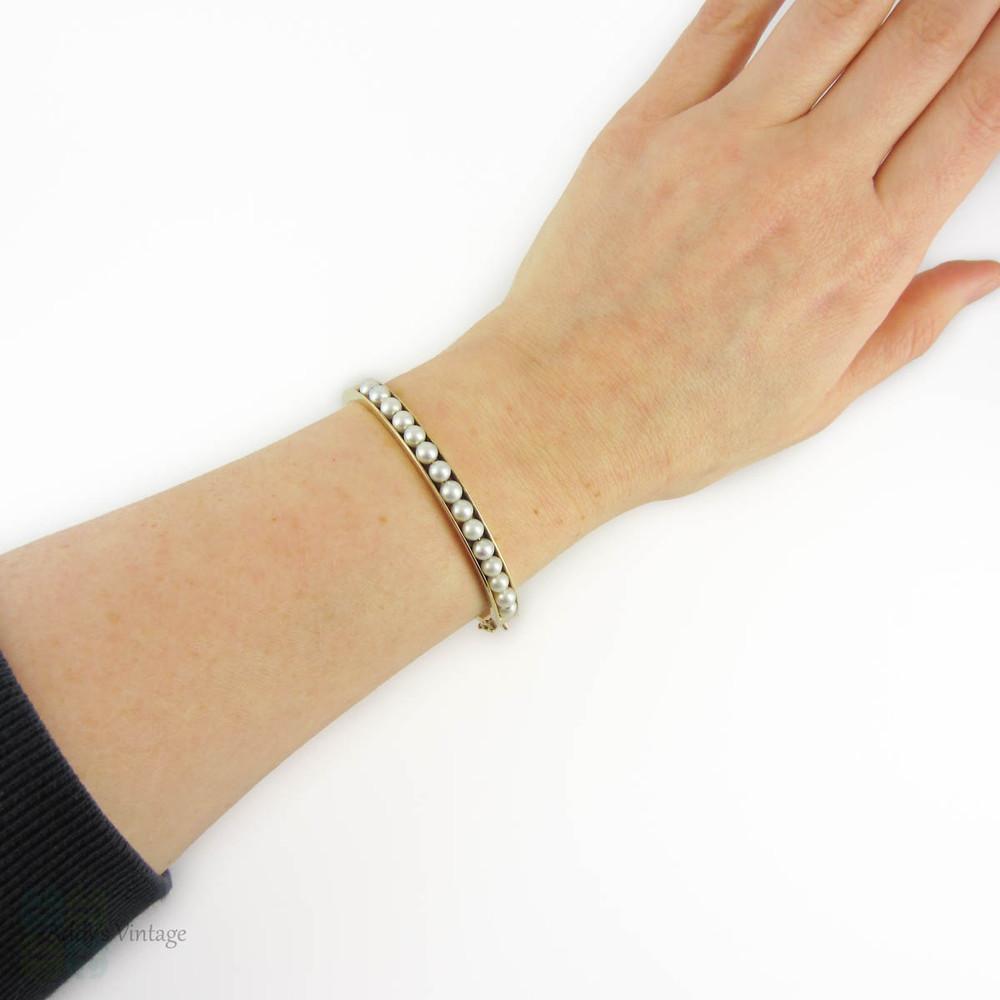 Cultured Pearl 9k Bangle Bracelet, 1960s Vintage 9ct Yellow Gold Bracelet.