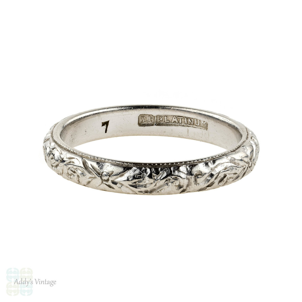 Antique Floral Engraved Platinum Wedding Ring, 1910s Foliate Design Band. Size J / 4.9