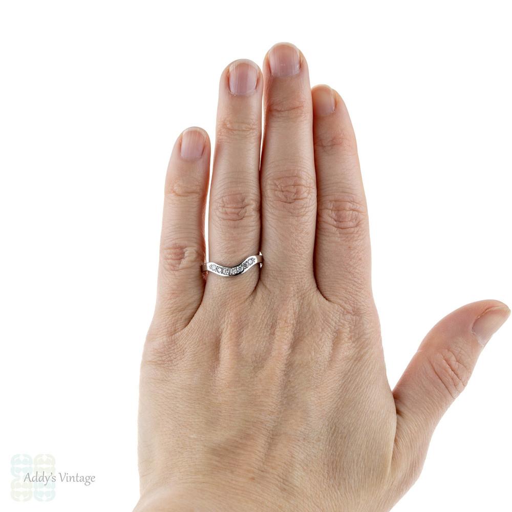 Curved 18ct Diamond Wedding Ring, Wishbone Shaped 18k Band. Size O.5 / 7.5.