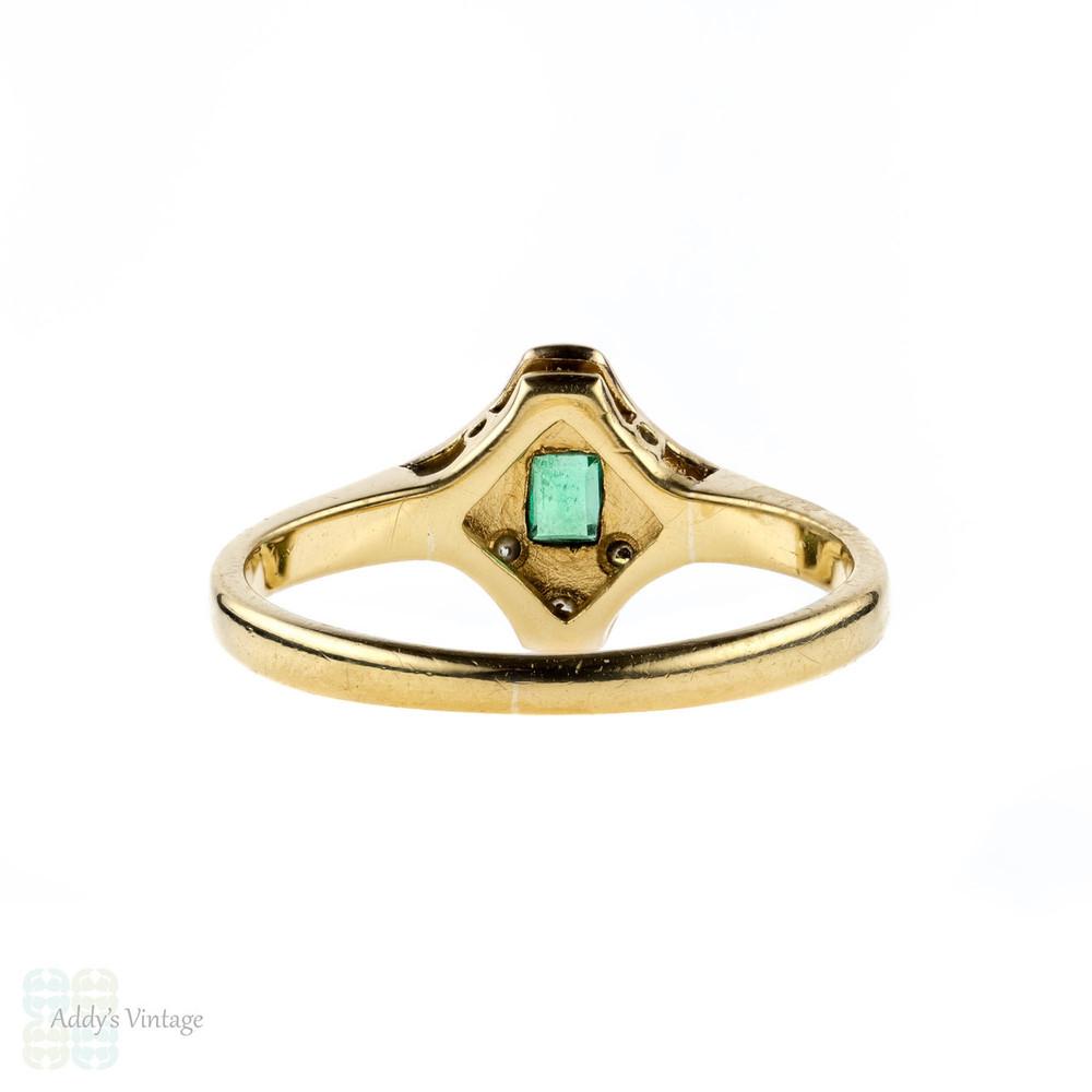 RESERVED Emerald & Diamond Art Deco Engagement Ring, Geometric Shape 1920s. 18ct & Platinum.